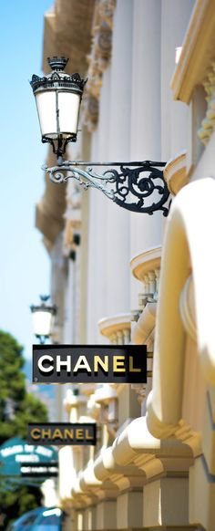 In my life I've been to many beuatiful places and I've seen many beautiful hotels. Grand Prix, Coco Chanel Mademoiselle, My Little Paris, Vogue, Keep It Classy, Glamour, Entertainment, Elegant, Go Shopping