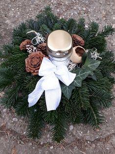 Christmas Wreaths, Merry Christmas, November, Metal Garden Art, Holiday Decor, Home Decor, Landscape Photos, Paisajes, Ornaments