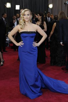 Reese Witherspoon in Louis Vuitton On the Red Carpet at the Oscars