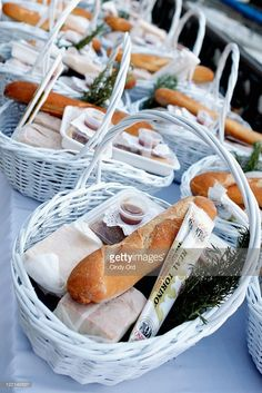 A view of the picnic baskets at the 2011 Diner en Blanc on August 2011 in New York City. Get premium, high resolution news photos at Getty Images Picnic Dinner, Beach Picnic, Summer Picnic, Picnic Parties, Dinner Party Recipes, Dinner Themes, Picnic Recipes, Picnic Ideas, Brunch Ideas