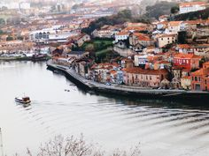 Douro photo by Luisa Azevedo (@heyluisa) on Unsplash