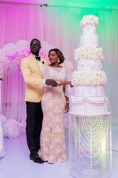 - Bunmi & Kehinde - Yoruba Wedding in Lagos Nigeria - BellaNaija Extravagant Wedding Cakes, Elegant Wedding Cakes, Wedding Cake Designs, Nigerian Wedding Dresses Traditional, Traditional Wedding Cake, Reception Gown For Bride, Wedding Reception, Yoruba Wedding, Ghana Wedding