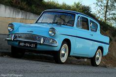 Ford Anglia e Ford Motor Company, Ford Anglia, Car Ford, Auto Ford, 70s Cars, Ford Fusion, Mini Cooper S, Ford Explorer, Ford Transit
