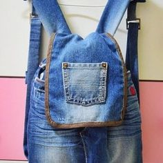 DIY como hacer una mochila reciclando vaqueros Denim Purse, Denim Jeans, Recycle Jeans, Upcycle, Drawstring Backpack, Leather Backpack, Fashion Backpack, Backpacks, Tote Bag