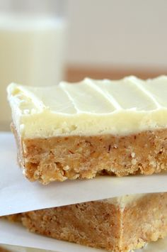 White Chocolate Almond Butter Bars --- a fresh take on the classic peanut butter square!