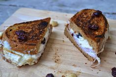 The Recipe Suitcase: Turkey, Goat Cheese, Cranberrie and Cashew Grilled Cheese