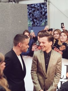 LILO @ THE BRITS THIS PICTURE IS SO CUTE I'M CRYING