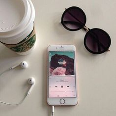 halsey, iphone, and music image Fotos Tumblr Pinterest, Aesthetic Photo, Aesthetic Pictures, Instagram Story, Instagram Feed, Disney Instagram, Tumblr Photography, Inspiration, Image