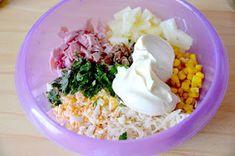z cukrem pudrem: Wielkanocna sałatka teściowej Calzone, Grains, Easy Meals, Food And Drink, Pizza, Rice, Lunch, Dinner, Cooking