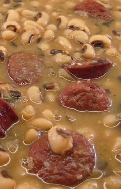 Emeril Lagasse's Smoked Sausage and Black-Eyed Peas is the best black-eyed pea. - Emeril Lagasse's Smoked Sausage and Black-Eyed Peas is the best black-eyed peas recipe Ive ever t - Cooker Recipes, Soup Recipes, Healthy Recipes, Recipies, Cajun Recipes, Beans Recipes, Comfort Food, Southern Recipes, Southern Food