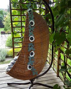My anemone garland in use.. Shines bright!  Link in bio #finditstyleit #apartmenttherapy #dsfloral #housebeautiful #neutraldecor #supermama #mommylovesyou #fallweddings #feltflowers #floralhanger #flowergarland #hangingchair #bohonursery #falldecor #ggathome #stylishnursery #babygift #pocketofmyhome #anemones #makeit #craftspire #craftsposure
