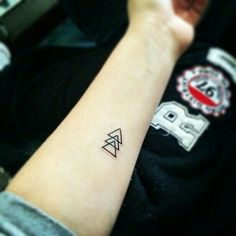 90 Triangle Tattoo Designs For Men - Manly Ink Ideas . From mathematics to symbol of ascension towards the spiritual world, discover 90 triangle tattoo designs for men. Small Tattoos Men, Simple Tattoos For Women, Small Finger Tattoos, Small Tattoos With Meaning, Meaning Tattoos, Tattoo Small, Tattoo Meanings, Tiny Tattoos For Girls, Sibling Tattoos