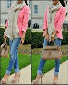 Jeans y chaqueta rosa