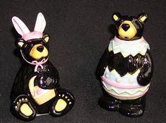 Easter bears salt and pepper shakers