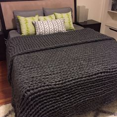 """87"""" x 90"""" Giant Chunky Knit Blanket King Size / Queen Size Oversize Super Chunky Knit Throw  Soft Mohair Angora Blanket,EXPRESS DELIVERY"""