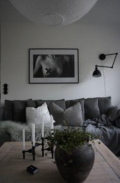 #scandinavianlivingroom #livingroom #interior Scandinavian, Couch, Living Room, Interior, Table, Furniture, Instagram, Home Decor, Settee
