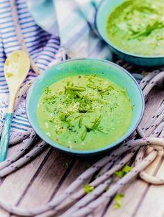 Recette : soupe glacée de haricots verts. Une soupe rafraîchissante idéale pour l'été et facile à faire, à savourer en entrée.