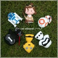 Star Wars: The Force Awakens  PDF Pattern  Pocket Version Felt Diy, Felt Crafts, Fabric Crafts, Paper Christmas Decorations, Diy Christmas Gifts, Projects For Kids, Sewing Projects, Felt Projects