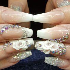 Do not know the nail designer . Beautiful nails though <3 Tina's Nails, Glam Nails, Matte Nails, Glitter Nails, Crazy Nails, Crazy Nail Art, Acrylic Nail Art, Nail Polish Art, 3d Flower Nails