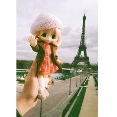Say hi :) #paris