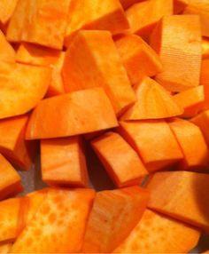 Anitas skriverier - Mitt navn er Anita. Er gift og mamma til to herlige voksne barn. Her skriver jeg om ting som opptar meg i dagliglivet + mat, baking, interiør og bøker jeg liker å lese. Velkommen er du :) Mail: anitasskriverier@hotmail.no Sweet Potato, Mango, Potatoes, Fruit, Vegetables, Food, Potato, The Fruit, Veggies