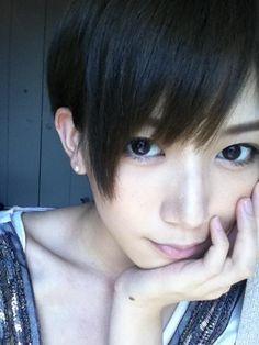 光宗薫☆鎖骨が美しいですね~ Pretty Hairstyles, Girl Hairstyles, Very Short Hair, Boyish, Japanese Models, Girl Photography, Pretty Face, Asian Beauty, My Hair