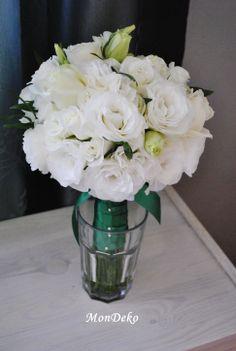 bukiet ślubny biały