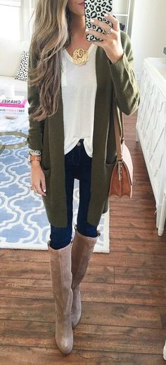 #thanksgiving #outfits Army Cardigan // White Top // Skinny Jeans // Leather Boots