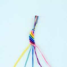 Learn how to make the classic diagonal friendship bracelet!