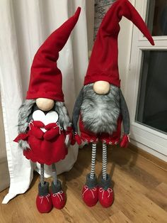 Ever since a visit to Denmark I really liked the Scandinavian Christmas gnomes (or tomte, nisse.) for decoration during the holiday period.Claus the Scandinavian Christmas Gnome PDF Pattern This digital pattern will show you how to make a scandinavia Christmas Gnome, Scandinavian Christmas, Primitive Christmas, Christmas Holidays, Christmas Crafts, Christmas Decorations, Gnome Tutorial, Reindeer Craft, Scandinavian Gnomes