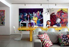 Um apartamento divertidissimo no estilo galeria, incrivel e lindo uma otima inspiração.