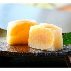 豊潤な果実、白桃をまるごとひとつ使用した果実菓子。【桃泉果3入】