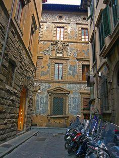 DA VEDERE: Palazzo Ramirez di Montalvo, progettato nel '500 dall'arch. Bartolomeo Ammannati (n.26)