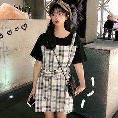 Ulzzang Korean Girl, Korean Dress, Girl Body, Lolita Dress, Asian Fashion, Asian Girl, Fashion Dresses, Cute Outfits, Short Sleeve Dresses