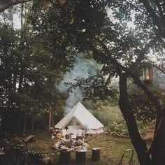 Vacations are highly anticipated, especially when they involve camping. To enjoy your camping trip to the fullest extent, heed the tips included in the article below. The tips will provide you with solid advice that will make your camping adventure. Glamping, Camping Sauvage, Photo Images, Bell Tent, Camping Life, Family Camping, Beach Camping, Tent Camping, Outdoor Camping