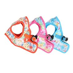 A refreshing design for sunny days, the Puppia Spring Garden Vest Harness boasts the wonderful colors of the season. Available in brilliant orange, pink or sky blue, this harness for small dogs is decorated with an allover floral pattern as if it were a b
