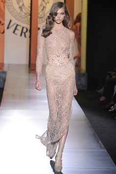 Gold goddess. Atelier Versace Fall Couture 2012