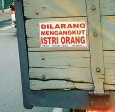 Pesona Selebrities : Model Poster Belakang Truk - Page 6 - DetikForum Silly Quotes, Best Quotes, Cartoon Jokes, Cute Stickers, Cool Words, Haha, Funny Memes, Trucks, Humor