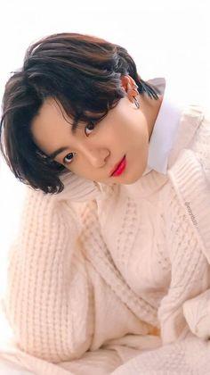 Maknae Of Bts, Jungkook Abs, Taehyung, Taekook, K Pop, Actors Images, Jeon Jeongguk, Foto Jungkook, Bts Chibi