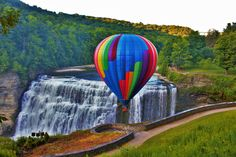 https://flic.kr/p/wLGunE | Hot air balloon with middle falls
