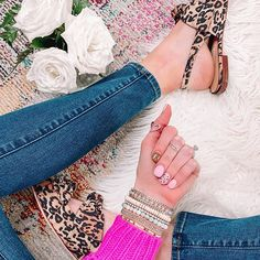 What to Wear When You Don't Know What to Wear - 10 Easy Outfit Formulas Using What's in Your Closet - Straight A Style Ankle Straps, Ankle Strap Sandals, Simple Outfits, Cute Outfits, How To Look Expensive, Ankle Boots With Jeans, Kick Flare Jeans, Shirt Tucked In, Sweater Layering