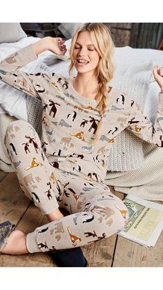 Cute Sleepwear, Sleepwear Women, Cozy Pajamas, Pjs, Satin Pyjama Set, Pajama Set, Pajamas For Teens, Pijamas Women, Pajama Outfits