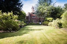 Beautiful Grade II listed detached house
