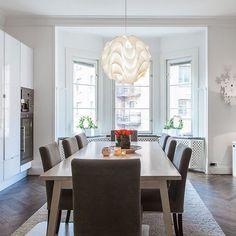 Torsgatan 54 ute nu på hemnet! Välkomna  Please double tap and add a friend. #interiordesign#interior#interiör#hemnet#svd#hittahem#booli#blocketbostad#blocket#inredning#interior4all#inredningsdesign#designforeveryone#stockholm#vackrahem#luxaryhomes#decor#heminredning#interior2you#interiorforyou#34kvadrat#designtointerior#interior_to_inspire#hoommagazine#exklusivbostad#sthlmrealestate#behrerochpartners