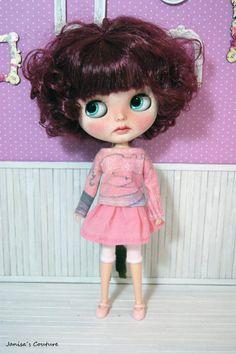 REBAJAS Camiseta falda leggin Blythe varios modelos Blythe Dolls, Couture, Disney Princess, Disney Characters, Templates, Cute Dolls, Skirts, T Shirts, Haute Couture
