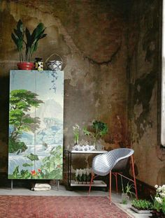 ♥ Mossy walls and painted wardrobe