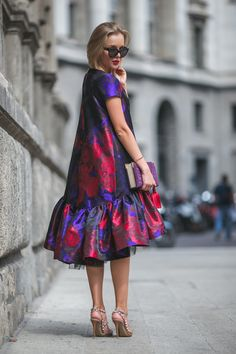 statement dress and cat eye#sunglasses #fashion. I would so rock this dress. Love everything about it.