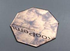 8-kulmainen sävylasinen peilitarjotin . octagon mirror-tray, slightly bronze glass, diameter 36cm SOLD