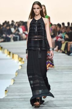 Milan Fashion Week Day 4 Roberto Cavalli Spring/Summer 2015 Ready to wear 20 September 2014 Roberto Cavalli, Fashion Week 2015, Spring Fashion, Josephine Le Tutour, Runway Fashion, Fashion Show, Milan Fashion, Couture Fashion, Women's Fashion