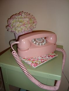 I have one of these vintage Pink phones !